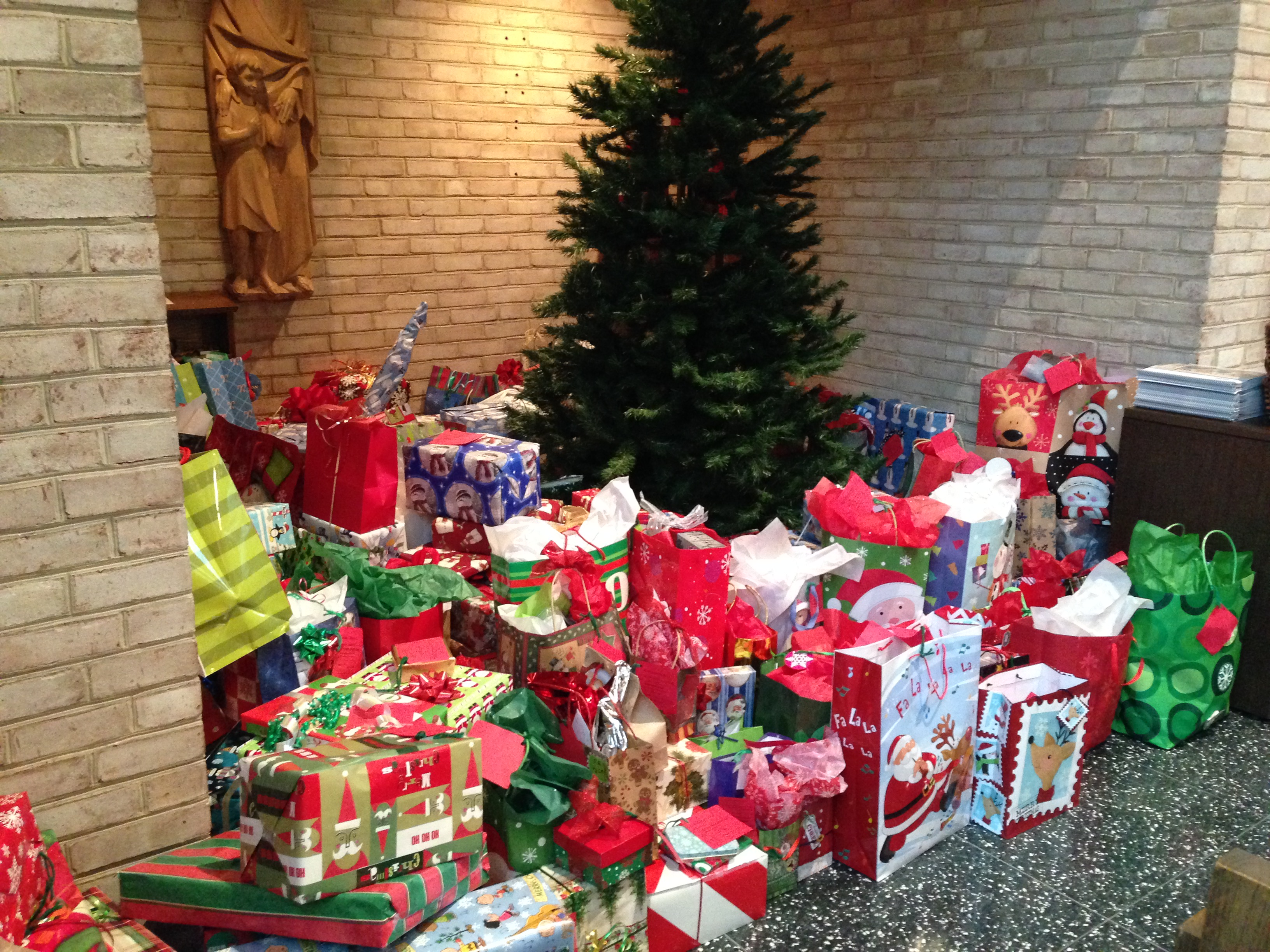St Ann Christmas Giving Tree gifts due Sunday, Dec 15 at 12:30